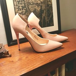 4.5inch baby Pink patent leather (faux) heels